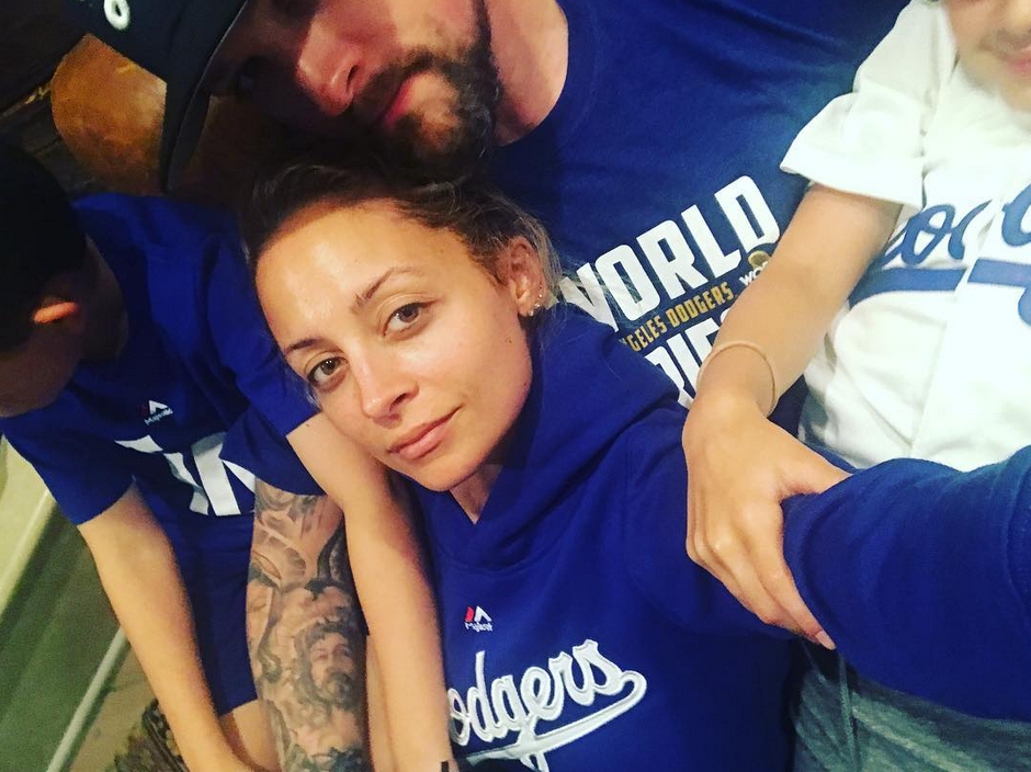 """<p>The cute marrieds showed their Los Angeles pride Wednesday night at Dodgers stadium. Unfortunately their home team didn't win the championship, but they both still got to go home with a prize. (Photo: <a href=""""https://www.instagram.com/p/Ba-Yi90gPE-/?taken-by=nicolerichie"""" rel=""""nofollow noopener"""" target=""""_blank"""" data-ylk=""""slk:Nicole Richie via Instagram"""" class=""""link rapid-noclick-resp"""">Nicole Richie via Instagram</a>) </p>"""