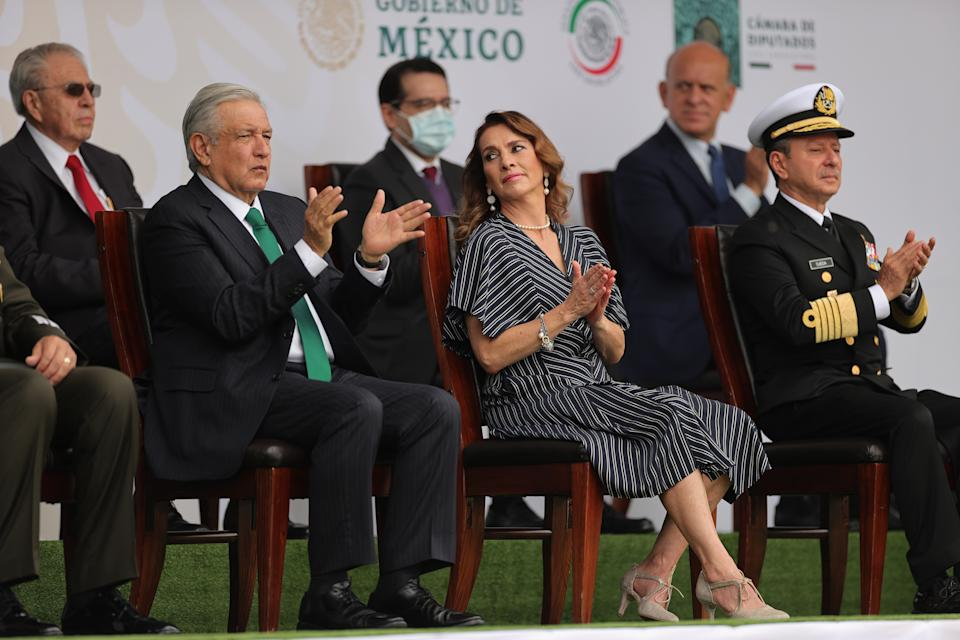 VARIOUS CITIES, MEXICO - SEPTEMBER 16: President Andrés Manuel López Obrador applauds doctors who worked with COVID-19 patients during the Independence Day military parade at Zocalo Square on September 16, 2020 in Various Cities, Mexico. This year El Zocalo remains closed for general public due to coronavirus restrictions. Every September 16 Mexico celebrates the beginning of the revolution uprising of 1810. (Photo by Hector Vivas/Getty Images)