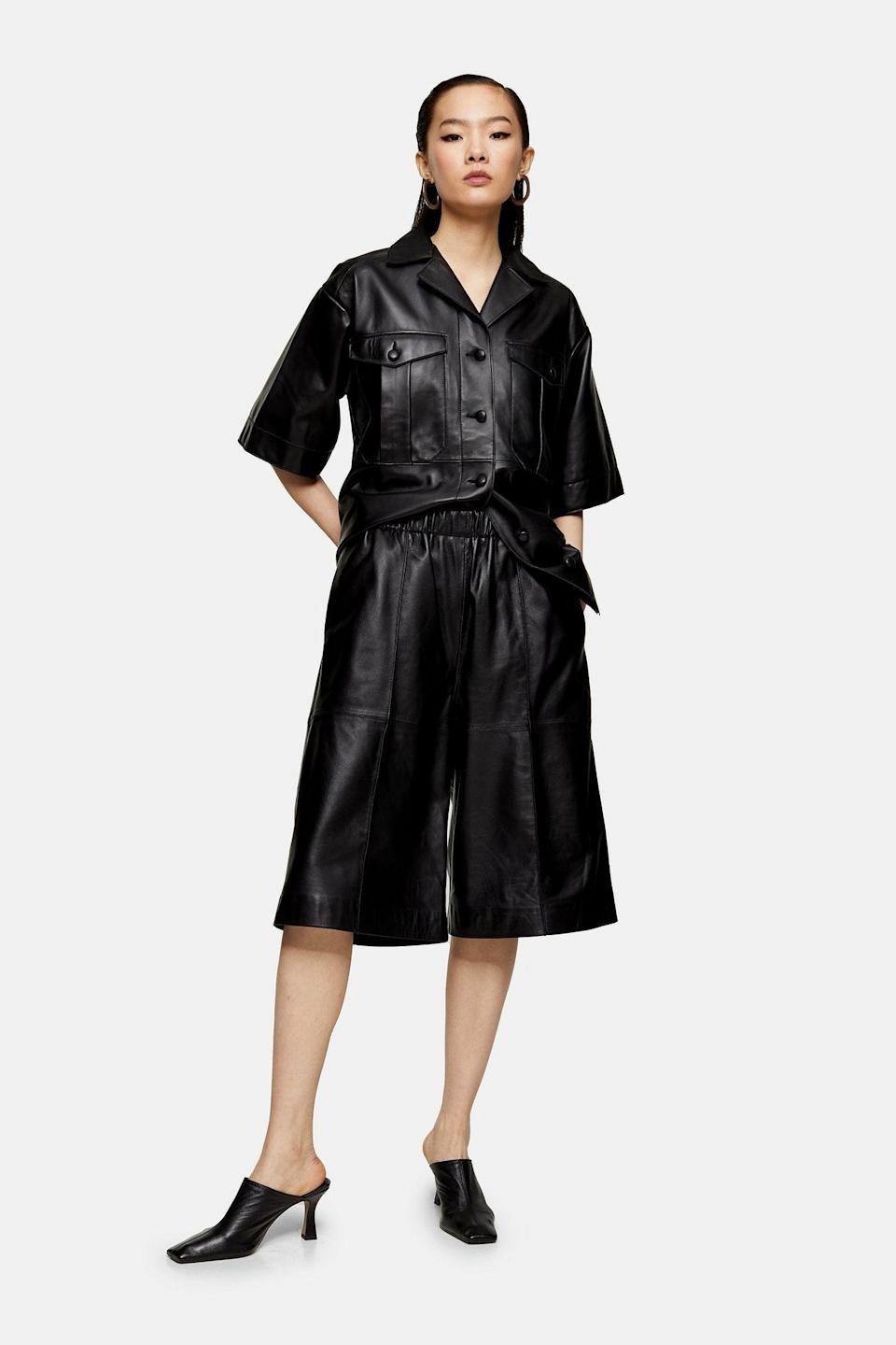 """<p><strong>Topshop</strong></p><p>topshop.com</p><p><strong>$270.00</strong></p><p><a href=""""https://go.redirectingat.com?id=74968X1596630&url=https%3A%2F%2Fus.topshop.com%2Fen%2Ftsus%2Fproduct%2Fleather-bermuda-by-boutique-9601836&sref=https%3A%2F%2Fwww.cosmopolitan.com%2Fstyle-beauty%2Ffashion%2Fg30933395%2Ffall-fashion-trends-2020%2F"""" rel=""""nofollow noopener"""" target=""""_blank"""" data-ylk=""""slk:Shop Now"""" class=""""link rapid-noclick-resp"""">Shop Now</a></p><p>Not ready for pants yet? No problem. Leather shorts are the way to go.</p>"""