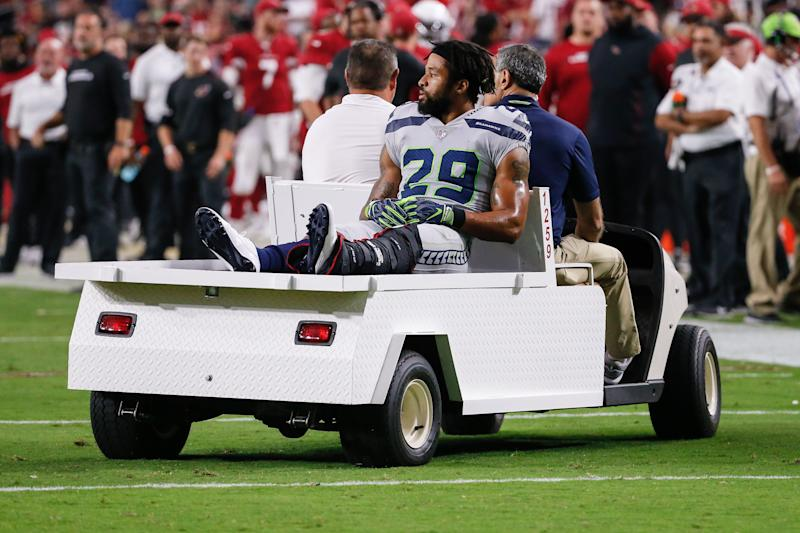 Earl Thomas says he gave the middle finger to his own sideline over frustration at his contract situation and his recently broken leg. (Photo by Kevin Abele/Icon Sportswire via Getty Images)