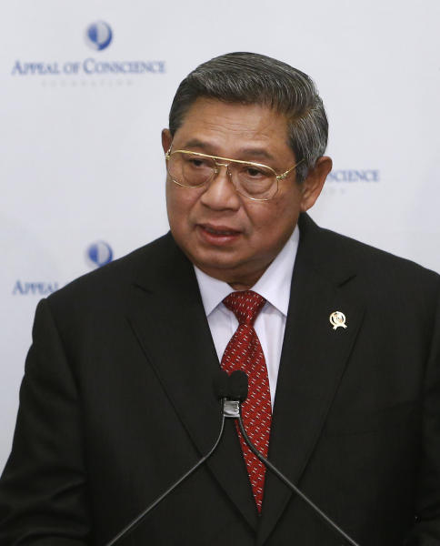 President Susilo Bambang Yudhoyono of Indonesia gives remarks after being presented with a World Statesman Award at an Appeal of Conscience Foundation event, Thursday, May 30, 2013 in New York. (AP Photo/Jason DeCrow)