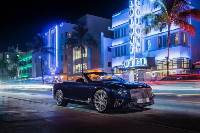bentley continental gt v8 convertible 14 700x467 c