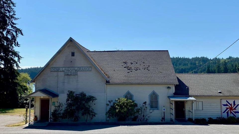 """<div class=""""inline-image__caption""""><p>Whidbey Grange building.</p></div> <div class=""""inline-image__credit"""">Heath Druzin for The Daily Beast</div>"""