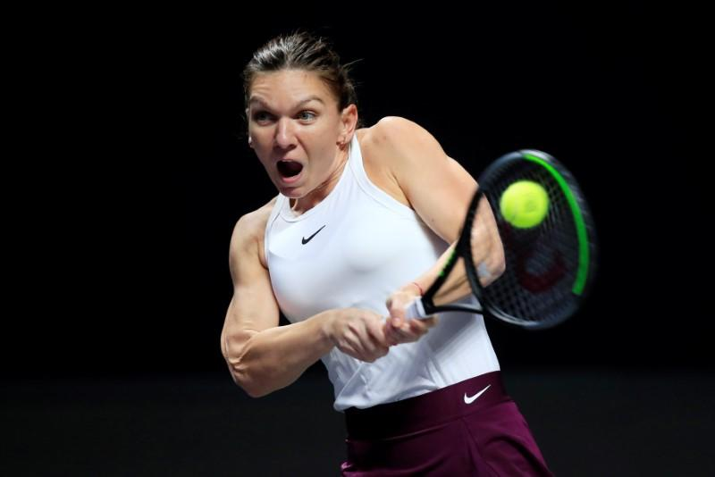 With Cahill back in her corner, Halep chases Melbourne glory