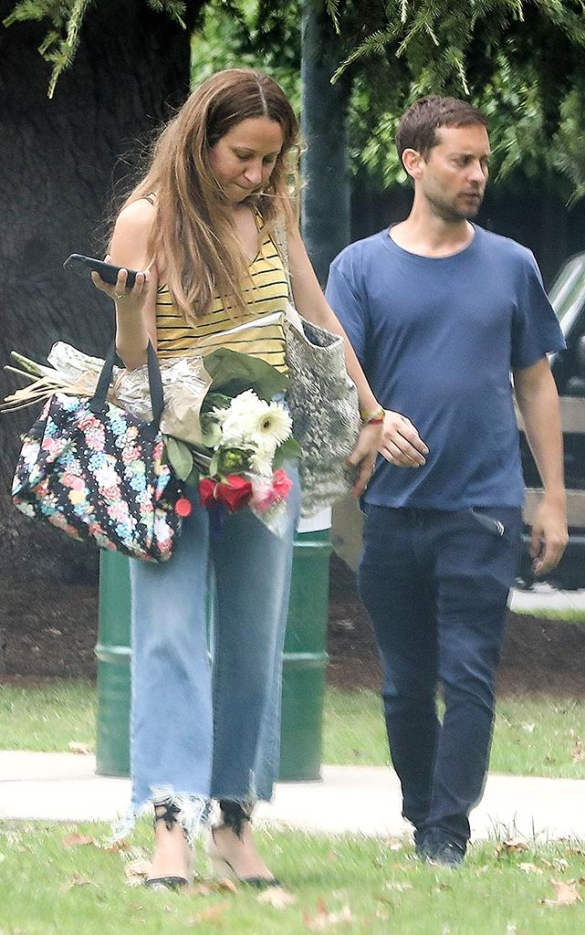 Tobey Maguire and ex-wife Jennifer Meyer attend their daughter's play. (Photo: SPOT/BACKGRID)