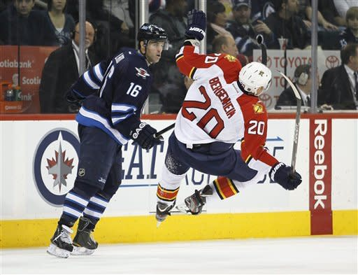 Versteeg scores 2 goals, Panthers top Jets in SO