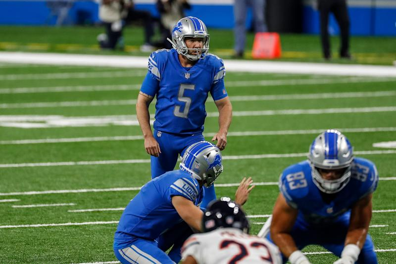Lions kicker Matt Prater attempts a field goal against the Chicago Bears during the first half at Ford Field on Sunday, Sept. 13, 2020.