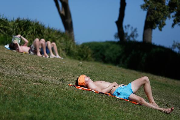 Beachgoers enjoy the hot weather at Coogee Beach.