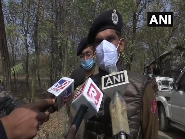Inspector General of Police Vijay Kumar speaking to reporters in Kulgam on Friday. Photo/ANI