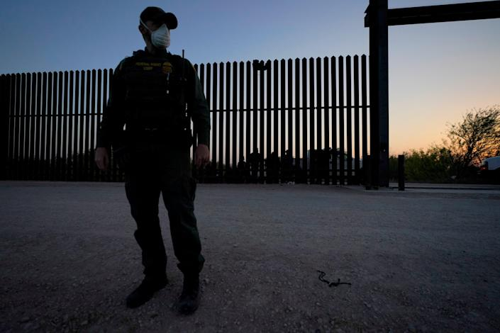 A US Customs and Border Protection officer in Texas. (Copyright 2021 The Associated Press. All rights reserved.)