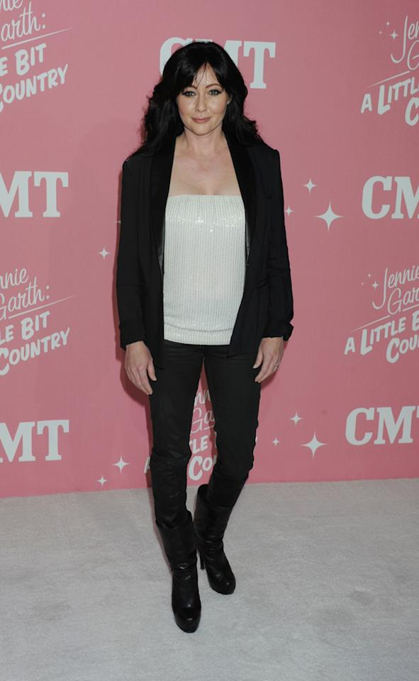 "Shannen Doherty arrives at Jennie Garth's 40th birthday celebration & premiere party for ""<a target=""_blank"" href=""http://tv.yahoo.com/jennie-garth-little-bit-country/show/48388"">Jennie Garth: A Little Bit Country</a>"" held at The London Hotel on April 19, 2012 in West Hollywood, California."