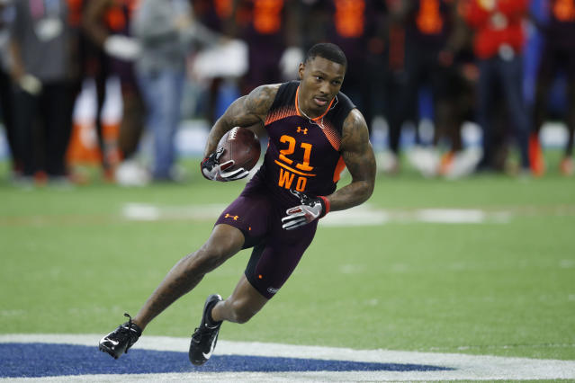 """Chiefs rookie <a class=""""link rapid-noclick-resp"""" href=""""/nfl/players/31888/"""" data-ylk=""""slk:Mecole Hardman"""">Mecole Hardman</a> surprised his mom with a new home, fulfilling a dream he's had since he was a child. (Getty Images)"""