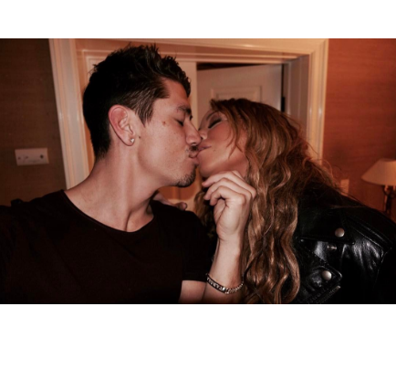 The singer and her boyfriend Bryan Tanaka reportedly broke up, while Carey renewed a contract with Epic Records.