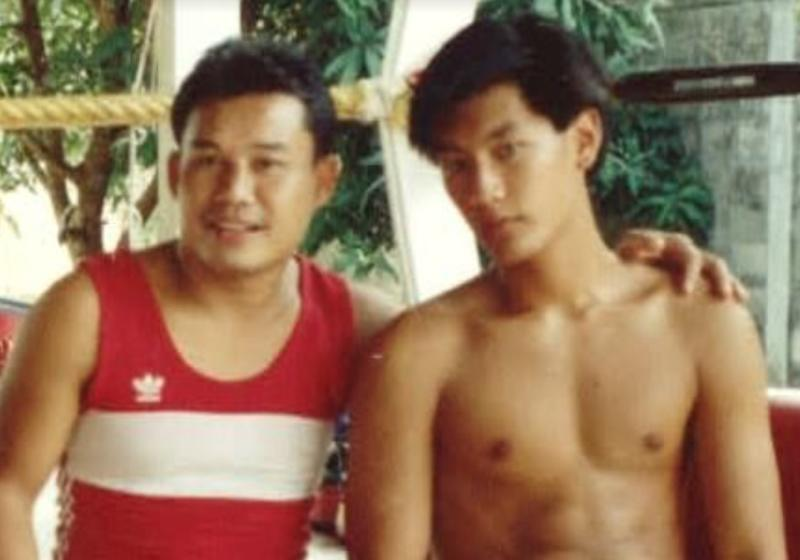 """A teenage Chatri and his first Muay Thai instructor, Daorung """"Papa"""" Sityodtong. (PHOTO: Evolve MMA)"""