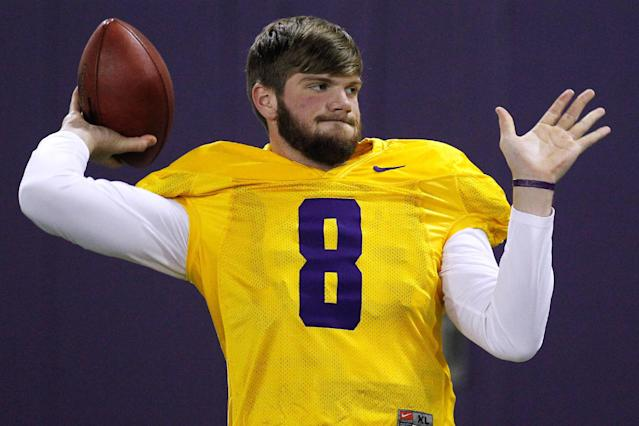 LSU quarterback Zach Mettenberger warms up during NFL football pro day, Wednesday, April 9, 2014, in Baton Rouge, La. (AP Photo/Jonathan Bachman)