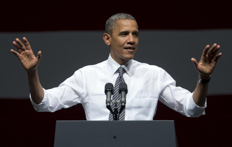 In close race, Obama and Romney showing confidence