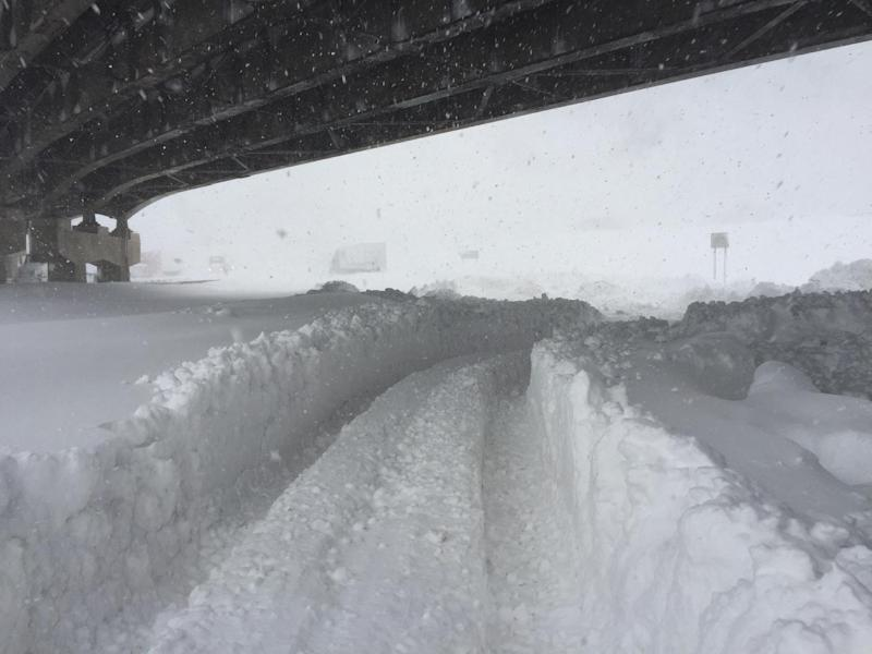 This November 19, 2014 handout photo courtesy of the Office of New York Governor Andrew Cuomo shows a view of the turnpike near Buffalo, New York during a major snowstorm (AFP Photo/)