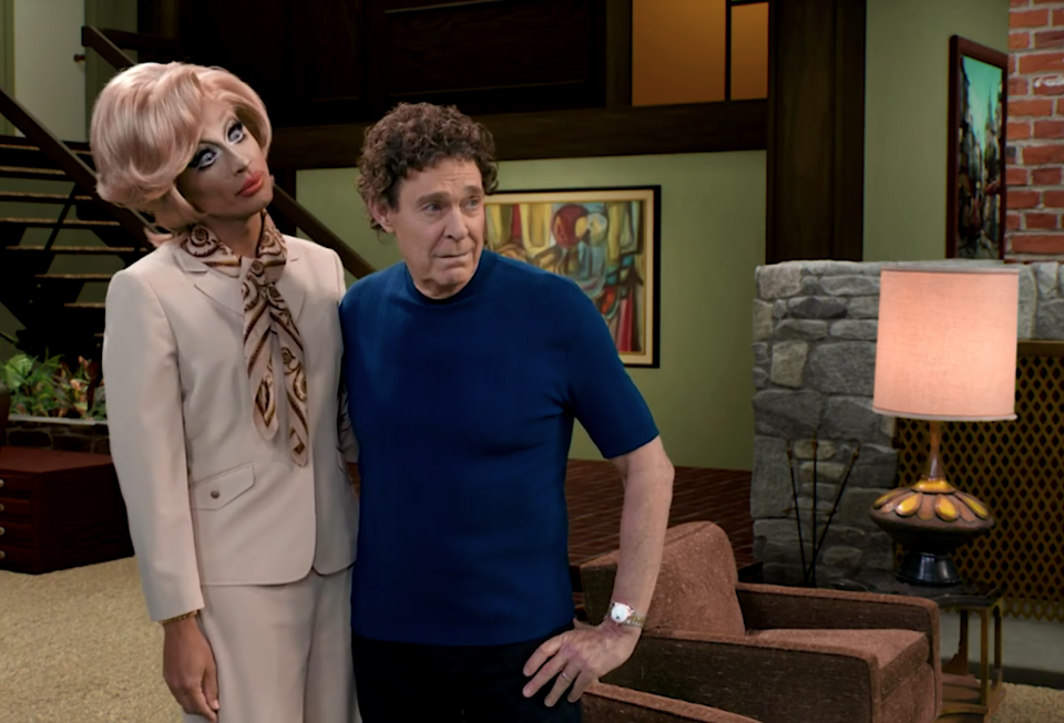 Bianca Del Rio and Barry Williams as Carol and Mike Brady in 'Dragging the Classics: The Brady Bunch.' (Photo: Paramount+)