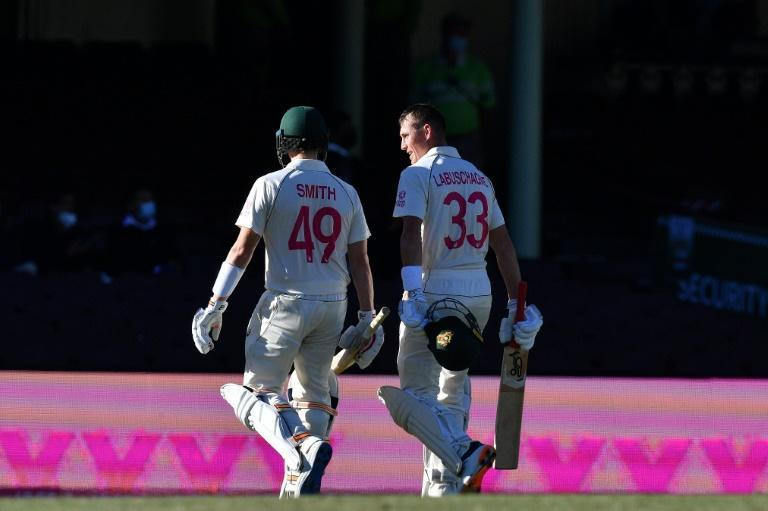 Australia's Steven Smith (L) and Marnus Labuschagne steered Australia to an commanding 197-run lead in the high-stakes third Test