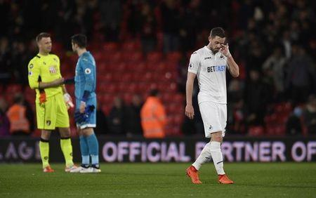 Swansea City's Gylfi Sigurdsson looks dejected after the game