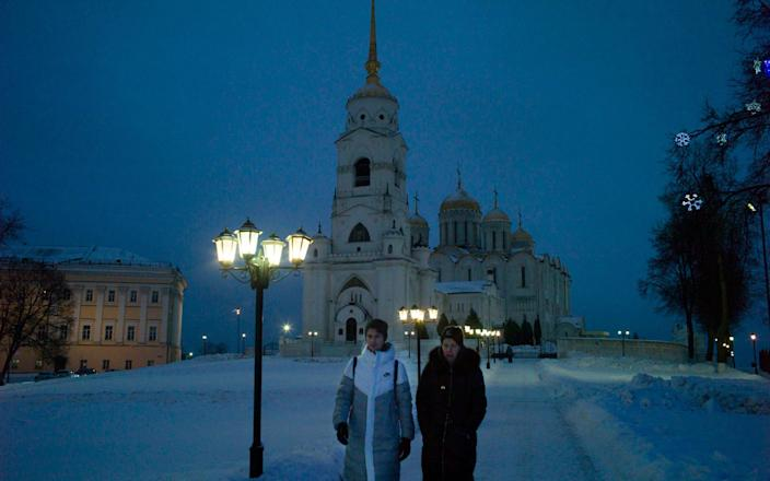 People walk in downtown of Vladimir, the city 180 km. away from Moscow - Maria Turchenkova