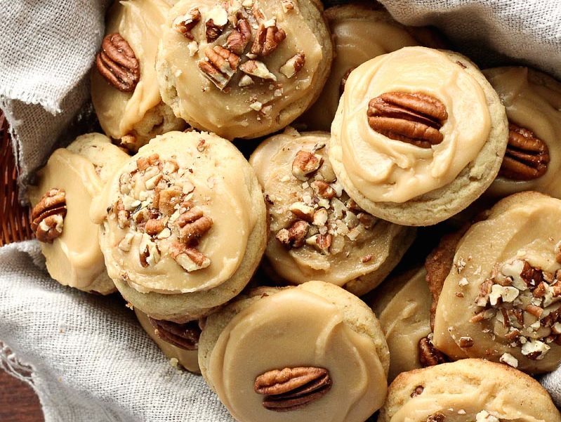 <p>If you need a snack before the big meal, we totally suggest these Thanksgiving cookies.</p>