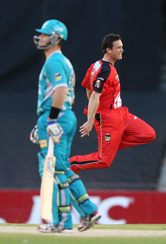 MELBOURNE, AUSTRALIA - DECEMBER 22:  Aaron O'Brien of the Melbourne Renegades celebrates his wicket of Daniel Christian of the Brisbane Heat during the Big Bash League match between the Melbourne Renegades and the Brisbane Heat at Etihad Stadium on December 22, 2012 in Melbourne, Australia.  (Photo by Michael Dodge/Getty Images)