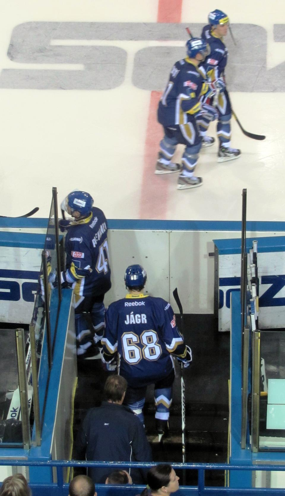 Jaromir Jagr hits the ice with HC Kladno. (#NickInEurope)