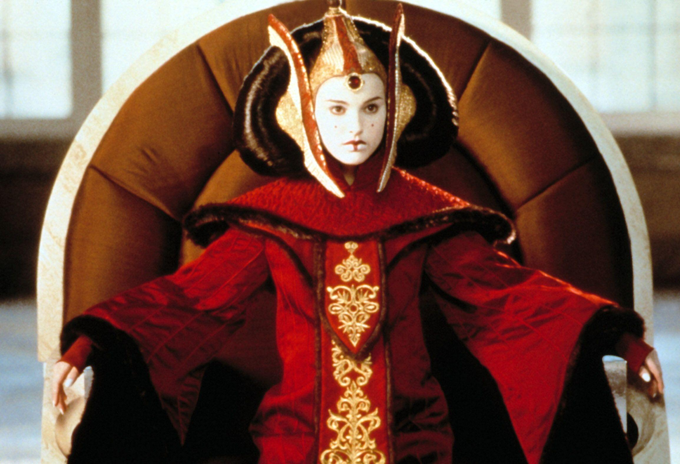 Natalie Portman is in full regal garb as Queen Amidala in 'The Phantom Menace' (Photo: ©Lucasfilm Ltd./courtesy Everett / Everett Collection)