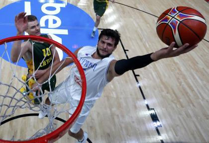 Alessandro Gentile goes to the basket last year in France. (AP)