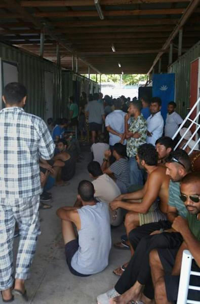 Papua New Guinea police moved into the shuttered Australian refugee camp on the country's Manus Island on November 23 in the most aggressive push yet to force hundreds of men to leave, the Australian government and detainees say