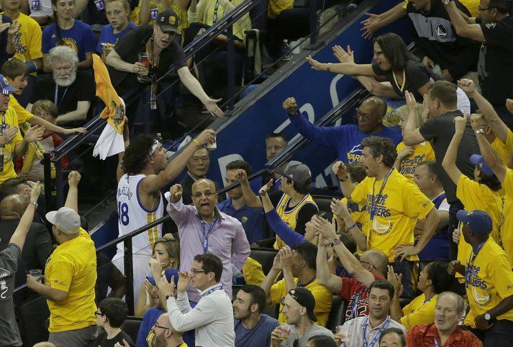 Warriors fans thank Anderson Varejao for his contributions to a win over the Portland Trail Blazers. (AP)