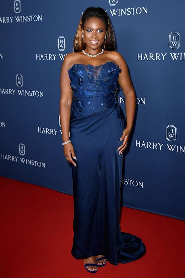 <p><strong>20 September </strong>Jennifer Hudson looked sophisticated in a strapless navy blue number. <strong></strong></p>