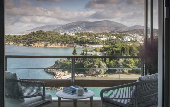 Enjoy the Astir riviera with an Arion sea view room (Four Seasons Astir Palace Hotel)