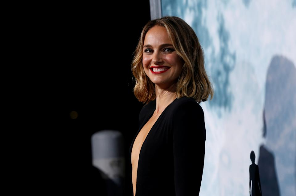 """Cast member Natalie Portman arrives at a premiere for the film """"Lucy in the Sky"""" in Los Angeles, California, U.S., September 25, 2019. REUTERS/Mario Anzuoni     TPX IMAGES OF THE DAY"""