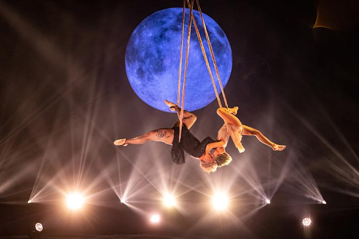 P!nk and 9-year-old daughter Willow's aerial act is breakou'You nailed it!': P!nk's 9-year-old daughter's aerial act is breakout moment of 2021 Billboard Music Awardst moment of the 2021 Billboard Music Awards