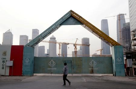 China drafts plan to make it easier to do business