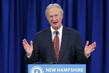 U.S. Democratic presidential candidate Lincoln Chafee speaks at the New Hampshire Democratic Party State Convention in Manchester, New Hampshire September 19, 2015. REUTERS/Brian Snyder