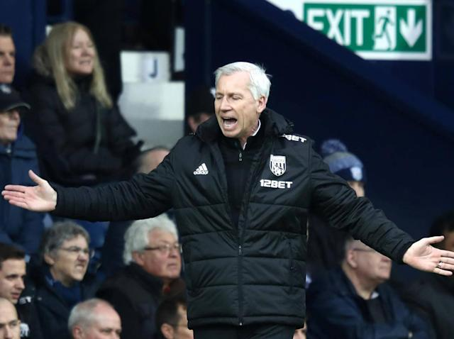 Alan Pardew will not resign but talks with the club's hierarchy planned after Leicester thrash West Brom