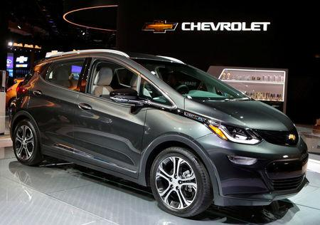 FILE PHOTO: A 2018 Chevrolet Bolt EV is displayed during  the North American International Auto Show in Detroit, Michigan, U.S., January 9, 2017.  REUTERS/Rebecca Cook/File Photo