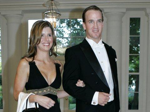 peyton manning wife pep talk