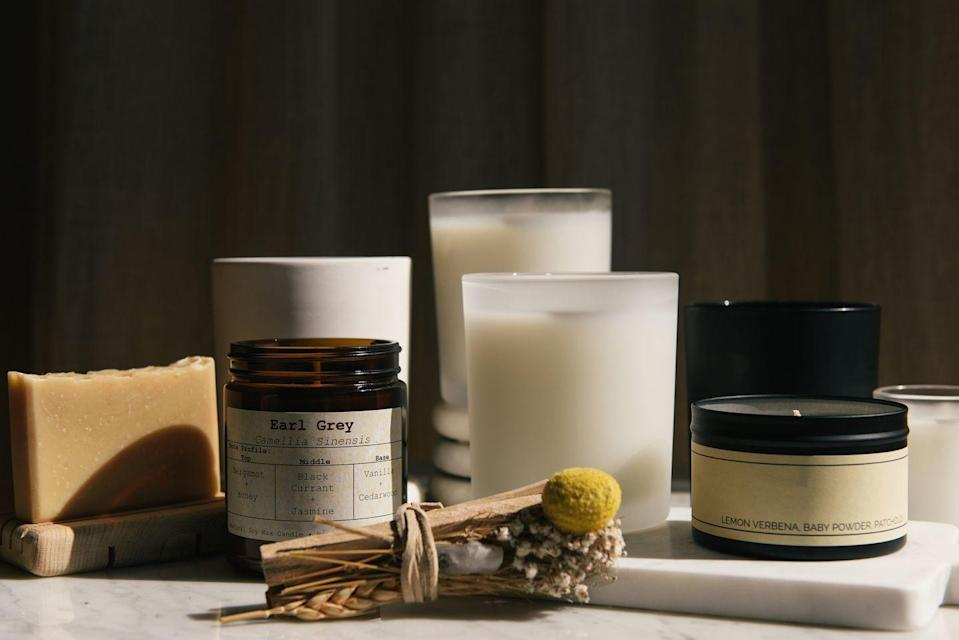 """<p>While there are discrepancies from brand to brand, Amazon is often beat out in prices for popular candles by other retailers (<a href=""""https://www.amazon.com/DW-Home-Richly-Scented-Tobacco/dp/B078HKKVS3/ref=asc_df_B078HKKVS3/?tag=hyprod-20&linkCode=df0&hvadid=295593545911&hvpos=&hvnetw=g&hvrand=11681964226801602722&hvpone=&hvptwo=&hvqmt=&hvdev=c&hvdvcmdl=&hvlocint=&hvlocphy=9003432&hvtargid=pla-575610198463&psc=1"""" rel=""""nofollow noopener"""" target=""""_blank"""" data-ylk=""""slk:Amazon"""" class=""""link rapid-noclick-resp"""">Amazon </a>vs. <a href=""""https://www.dwhome.com/products/warm-tobacco-pipe-3?variant=31407699001399&gclid=Cj0KCQjwi7yCBhDJARIsAMWFScNaBI9f4TzoXv8l1mfzFtDQcG46Ahlo98sl_cuhZiW3O8C4cR7V7coaAh-sEALw_wcB"""" rel=""""nofollow noopener"""" target=""""_blank"""" data-ylk=""""slk:DW Home"""" class=""""link rapid-noclick-resp"""">DW Home</a>, for instance). Price aside, scented candles are one item that a customer should shop in person so they know they are a fan of the smell.</p>"""