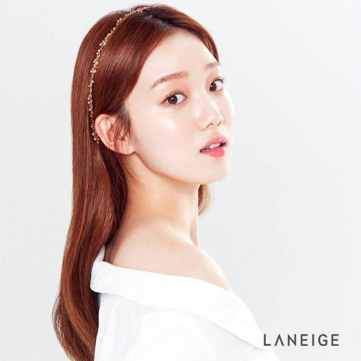 Korean actress and Laneige ambassador Lee Sung-kyung (Photo: Laneige Singapore's Facebook pagek