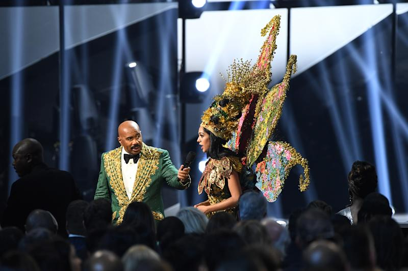 Miss Malaysia Shweta Sekhon interrupts Steve Harvey after a teleprompter mix up during the 2019 Miss Universe pageant final