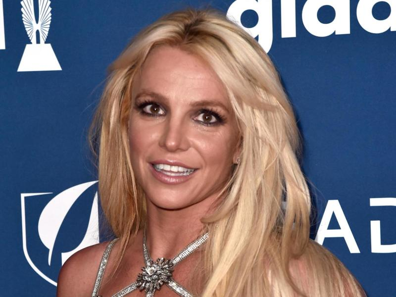Britney Spears accuses former manager of 'pretending to be me'