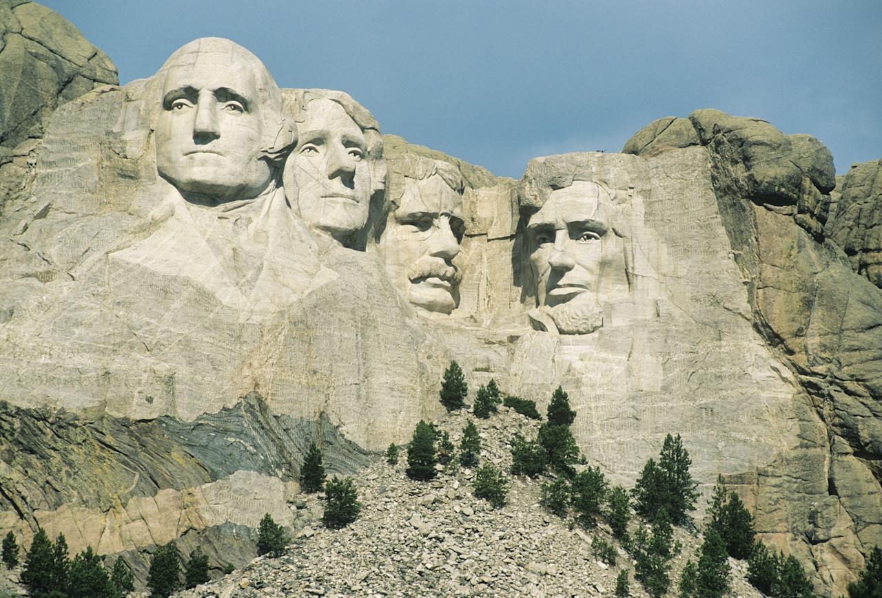 10 facts about american landmarks your teachers never for Mount rushmore history facts