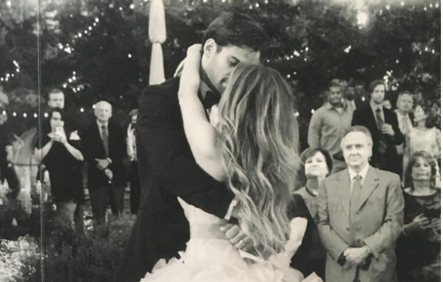 The Deckers recently shared photos to celebrate their anniversary. (Photo: Instagram/jessiejamesdecker)