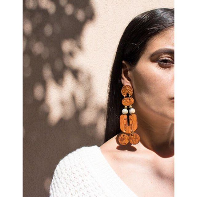 """<p>Wood and leather never looked so good. Hit up Hola Luna for sustainable options that look super luxe and are sure to get tons of compliments. </p><p><strong>Website:</strong> <a href=""""https://shopholaluna.com"""" rel=""""nofollow noopener"""" target=""""_blank"""" data-ylk=""""slk:shopholaluna.com"""" class=""""link rapid-noclick-resp"""">shopholaluna.com</a></p><p><a href=""""https://www.instagram.com/p/CDZXjfrjfvg/"""" rel=""""nofollow noopener"""" target=""""_blank"""" data-ylk=""""slk:See the original post on Instagram"""" class=""""link rapid-noclick-resp"""">See the original post on Instagram</a></p>"""