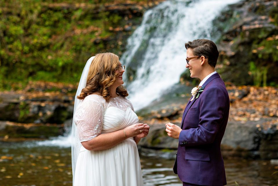 """The couple initially planned to get married with 180 relatives and friends in attendance. They ended up tying the knot in a much more intimate ceremony. (Photo: <a href=""""https://denuevaphoto.com/"""" target=""""_blank"""">De Nueva Photography</a>)"""