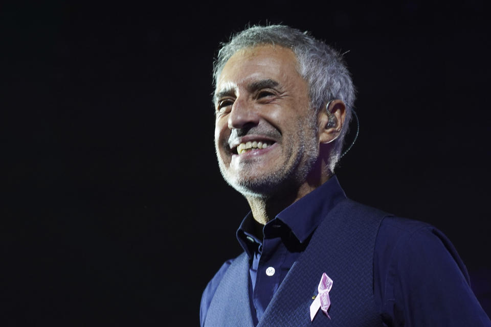 Sergio Dalma performs during the concert 'Cadena 100 por ellas' (Chain 100 for women), a benefit musical event by the Spanish Association Against Cancer, at the Sports Palace in Madrid, Spain, 21 October 2018.  (Photo by Oscar Gonzalez/NurPhoto via Getty Images)
